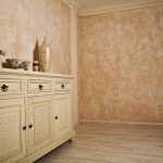 Room-with-Beautiful-Faux-Finish-On-Walls